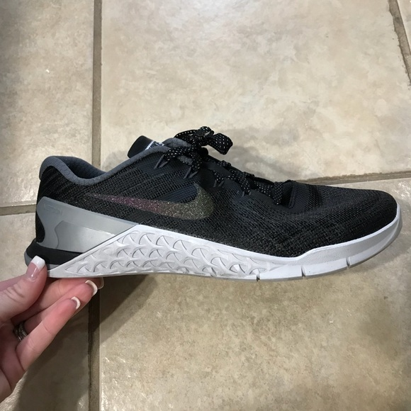 Nike Shoes | Nike Metcon 3 Metallic